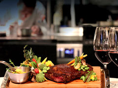 2000831 restaurant pelhams waldorf