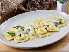 2007580 restaurant prego italian