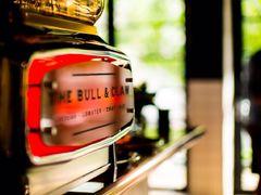 65360 restaurant the bull claw
